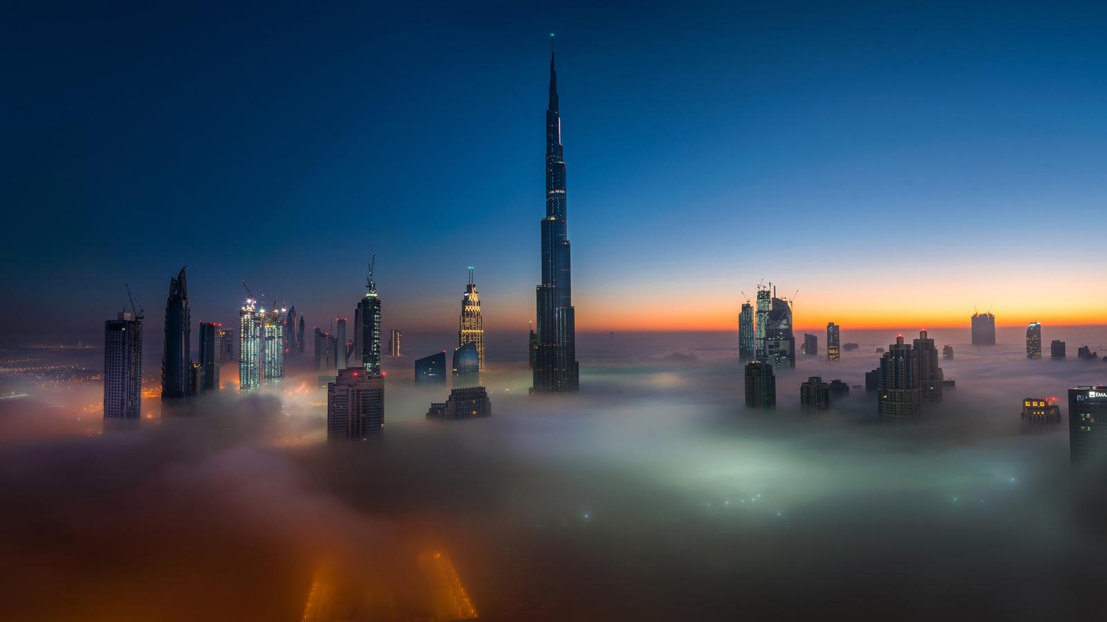 Туманное одеяло, © Пракаш Кумар Сингх / Prakash Kumar Singh, Объединённые Арабские Эмираты, 1 место в номинации «Городской пейзаж», Фотоконкурс 35AWARDS — 100 Best Photos