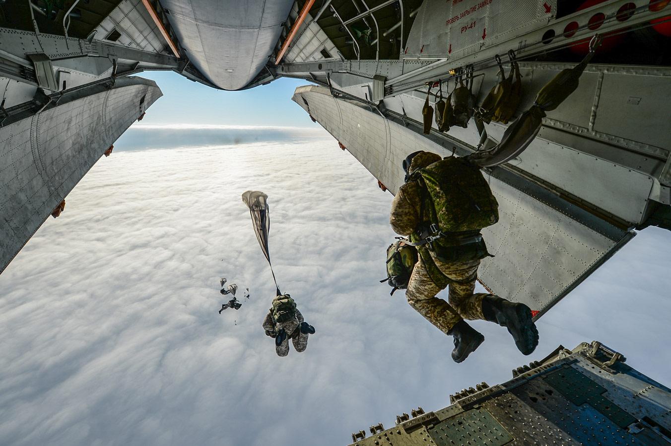 Прыжок в небо, © Алексей Иванов / Aleksey Ivanov, Россия, 2 место в номинации «Уличная фотография», Фотоконкурс 35AWARDS — 100 Best Photos