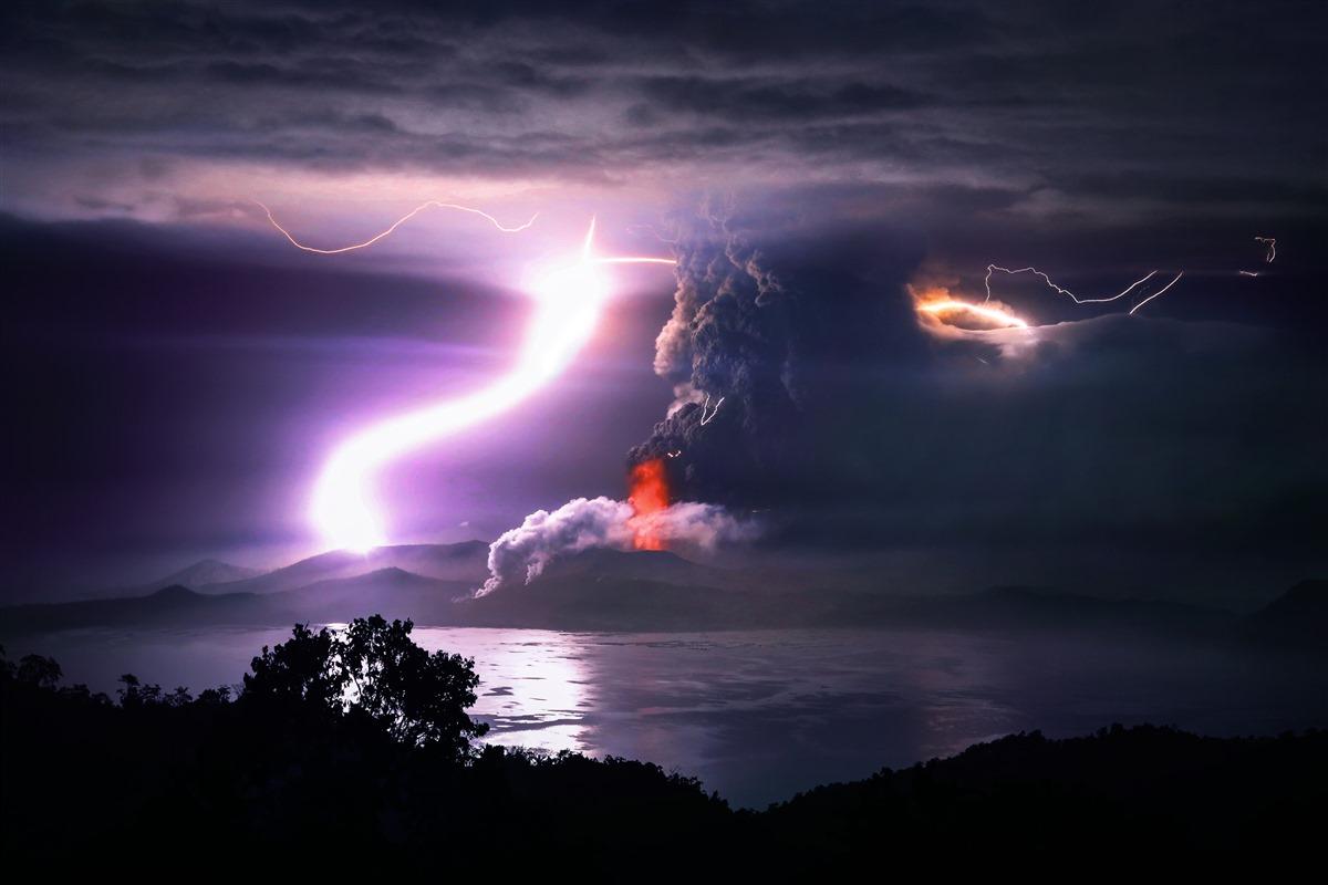 Извержение вулкана Таал | Кристофер Андрес