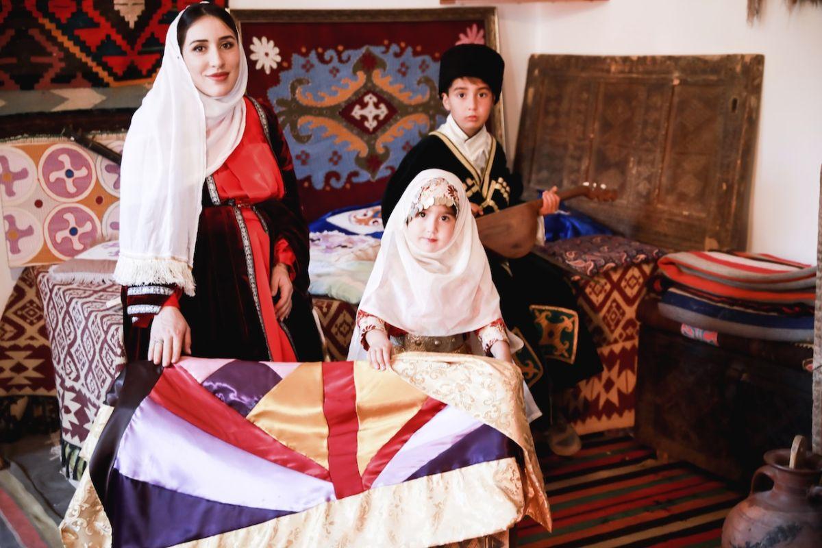 Заира Магомедова, Республика Дагестан, Кайтагский район, Даргинский национальный костюм
