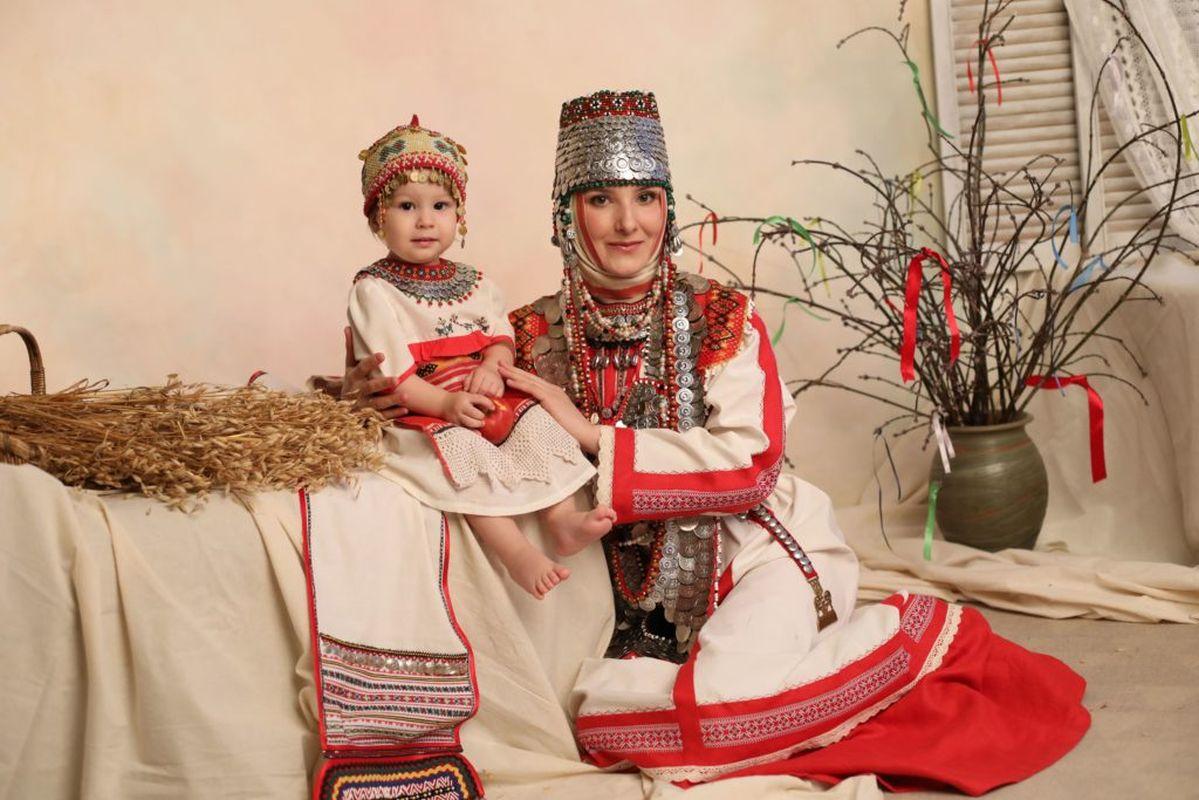 Марина Чахирова, г. Москва, Чувашский национальный костюм