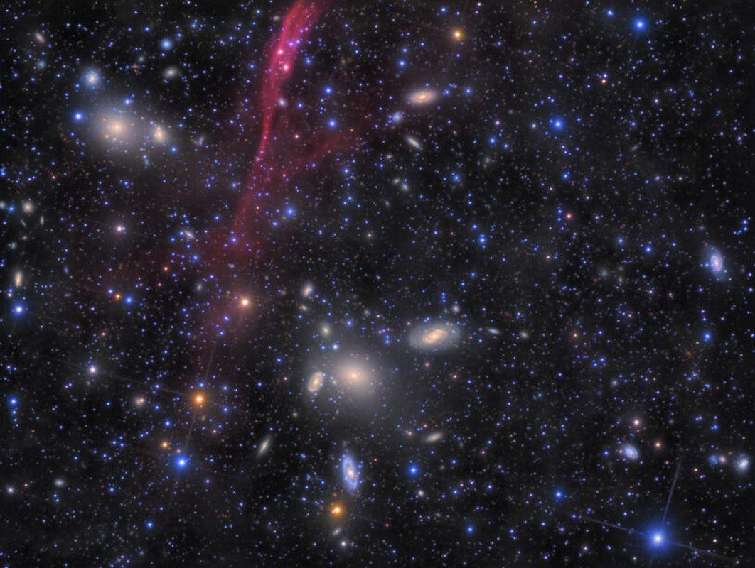 Рольф Валь Олсен, «Скопление Antlia - Extreme Deep Field - 152 часа»