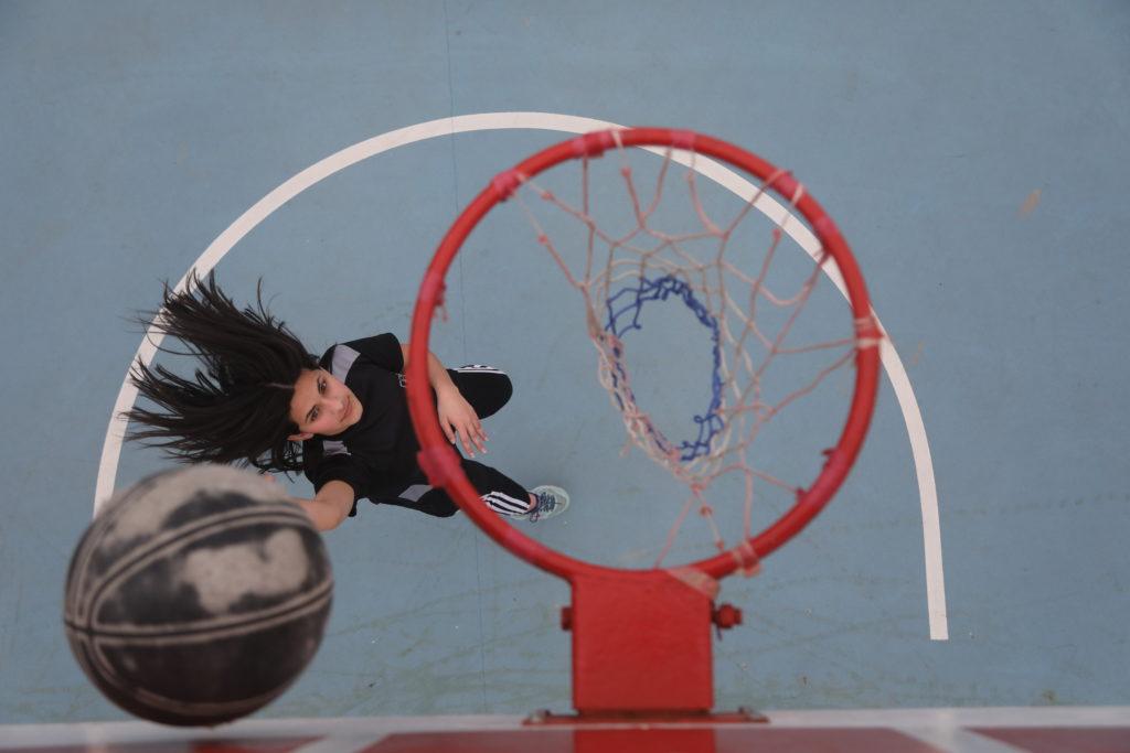 "6-е место. © mohamedzaanoun: ""Палестинские девушки во время урока баскетбола в Секторе Газа"""