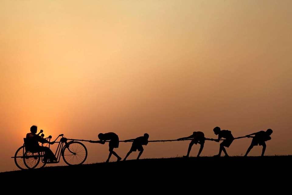 Миры вместе, Соменат Мукхопадхьяй | Индия