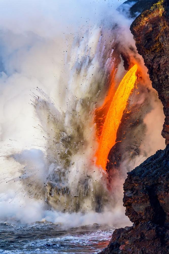 Лава Камокуна, пожарный рукав 25, © Джон Корнфорт / Jon Cornforth, Гавайи, Победитель в категории «Пейзажи, водные пейзажи и флора», Фотоконкурс BigPicture