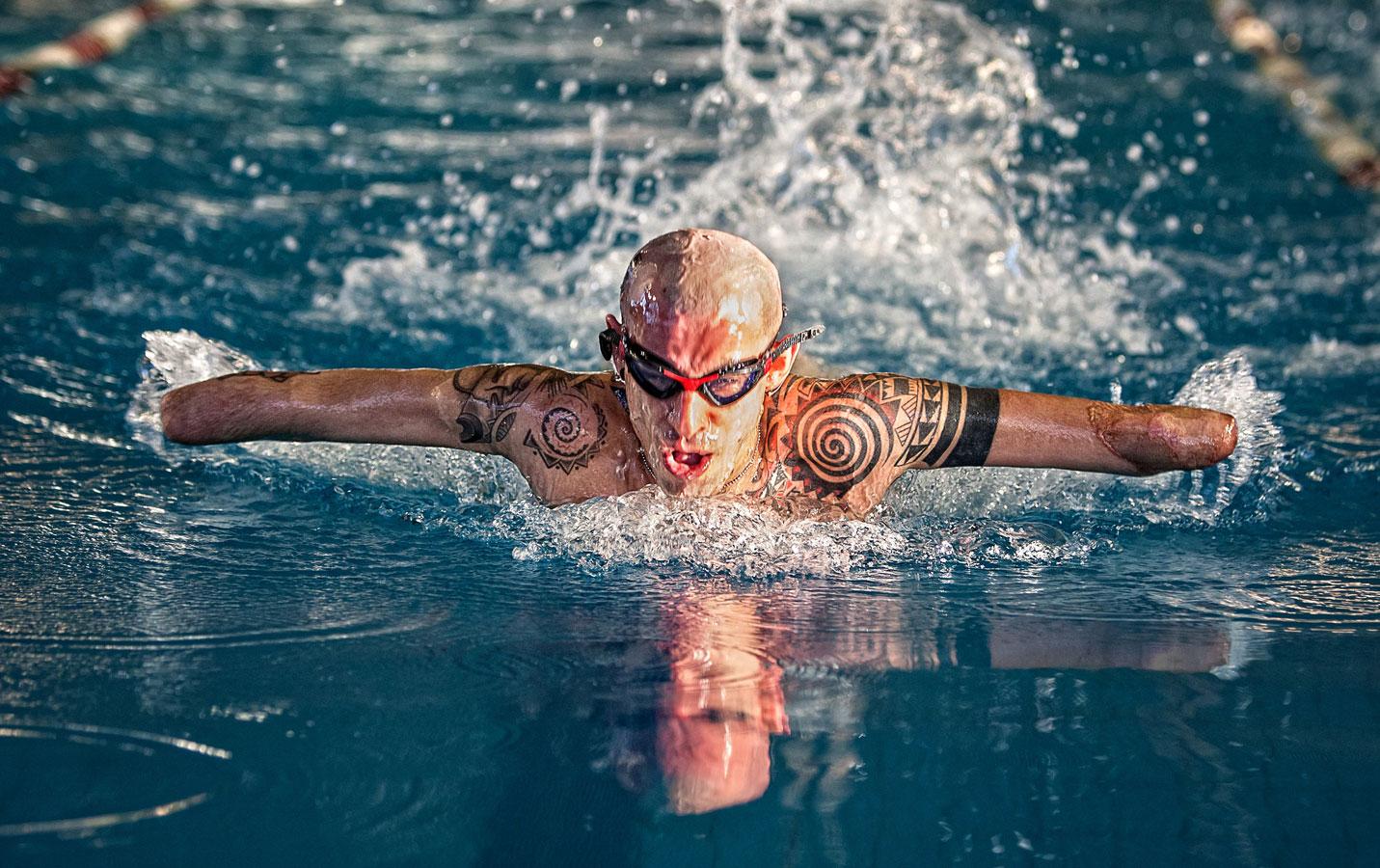 Бабочка в воде, © Джулио Монтини / Giulio Montini, Италия, 1 место в категории «Вызов», Фотоконкурс HIPA