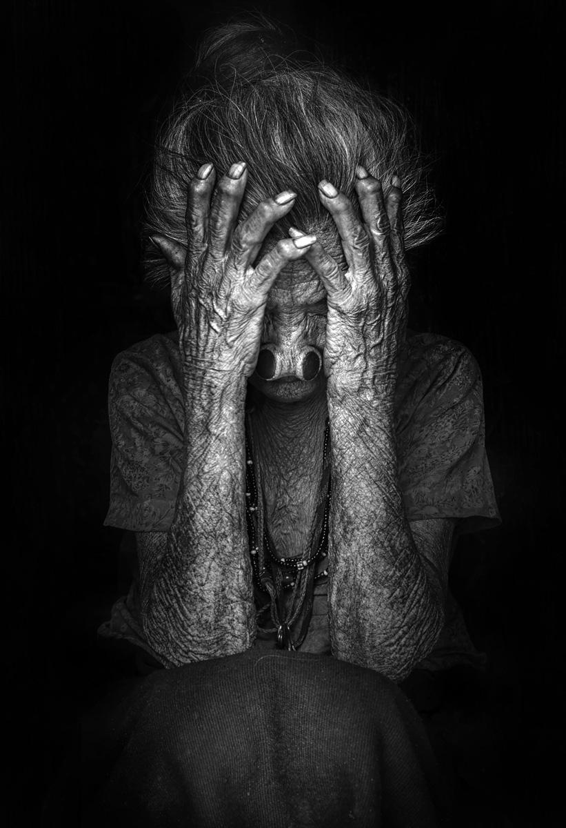 Потоп одиночества, © Халил Аль Мансури / Khalil Al Mansoori, Объединенные Арабские Эмираты, 3 место в категории «Чёрно-белое», Фотоконкурс HIPA