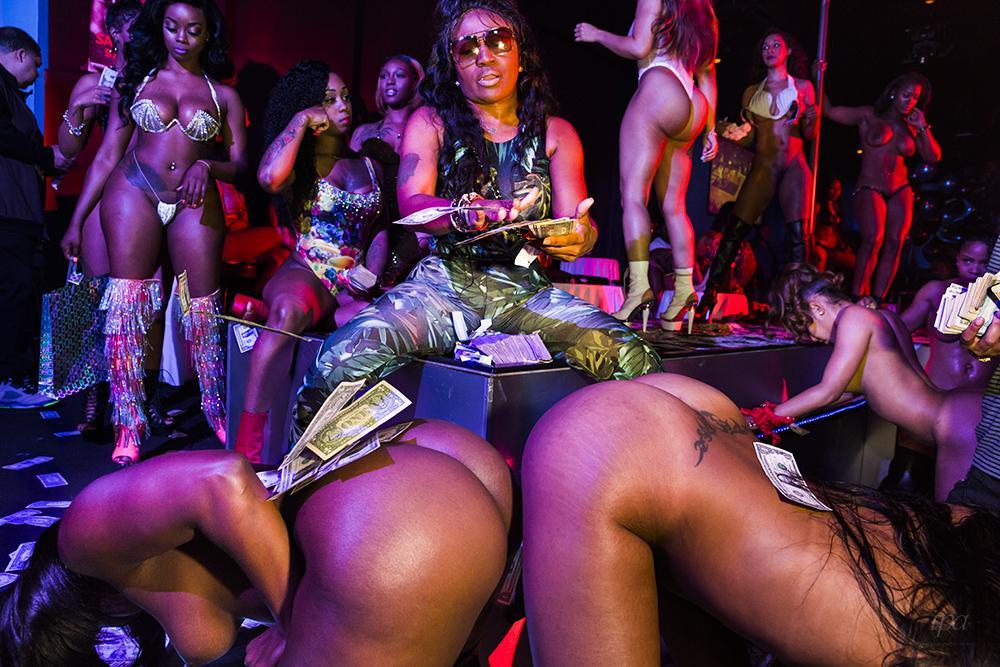 puffy-black-female-stripper-in-miami-pics-shades-grey