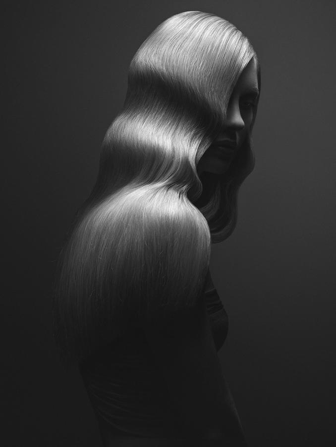 Волнистая, © Михал Баран / Michal Baran, Ирландия, Фотограф года в категории «Мода / Красота», Фотоконкурс Monochrome Photography Awards