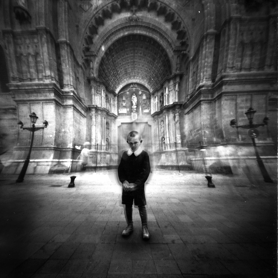 Призраки, © Фрэнк Махаловски / Frank Machalowski, Германия, Фотограф года в категории «Художественная фотография», Фотоконкурс Monochrome Photography Awards