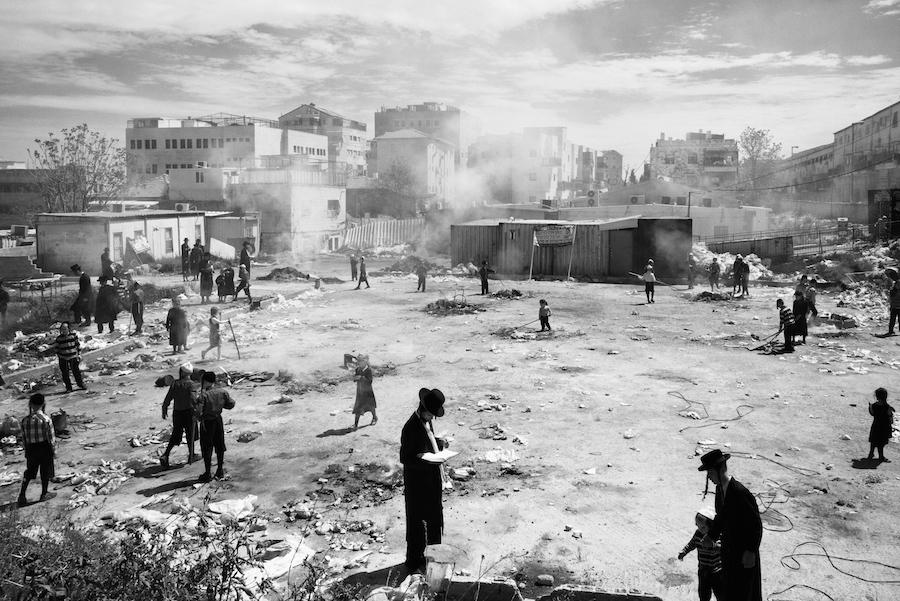 Меа Шеарим — Улицы, © Офир Барак / Ofir Barak, Израиль, Фотограф года в категории «Люди», Фотоконкурс Monochrome Photography Awards