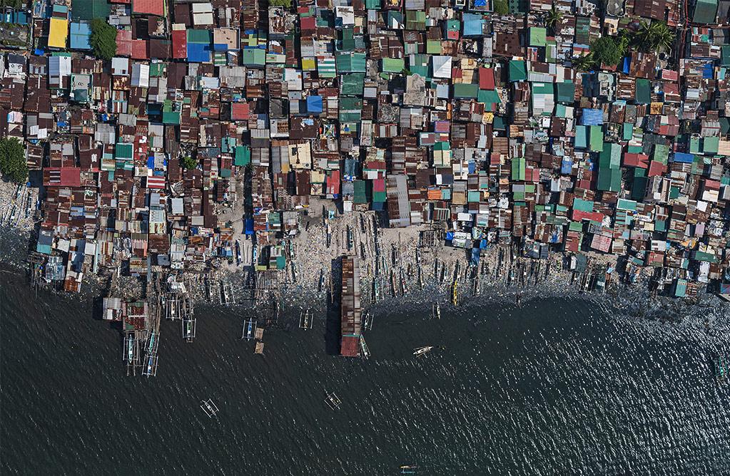 Воздушные виды перенаселения Манилы, © Бернхард Ланг / Bernhard Lang, Германия, Победитель категории «Редакционная: Экология», Фотоконкурс ND Awards Photo Contest