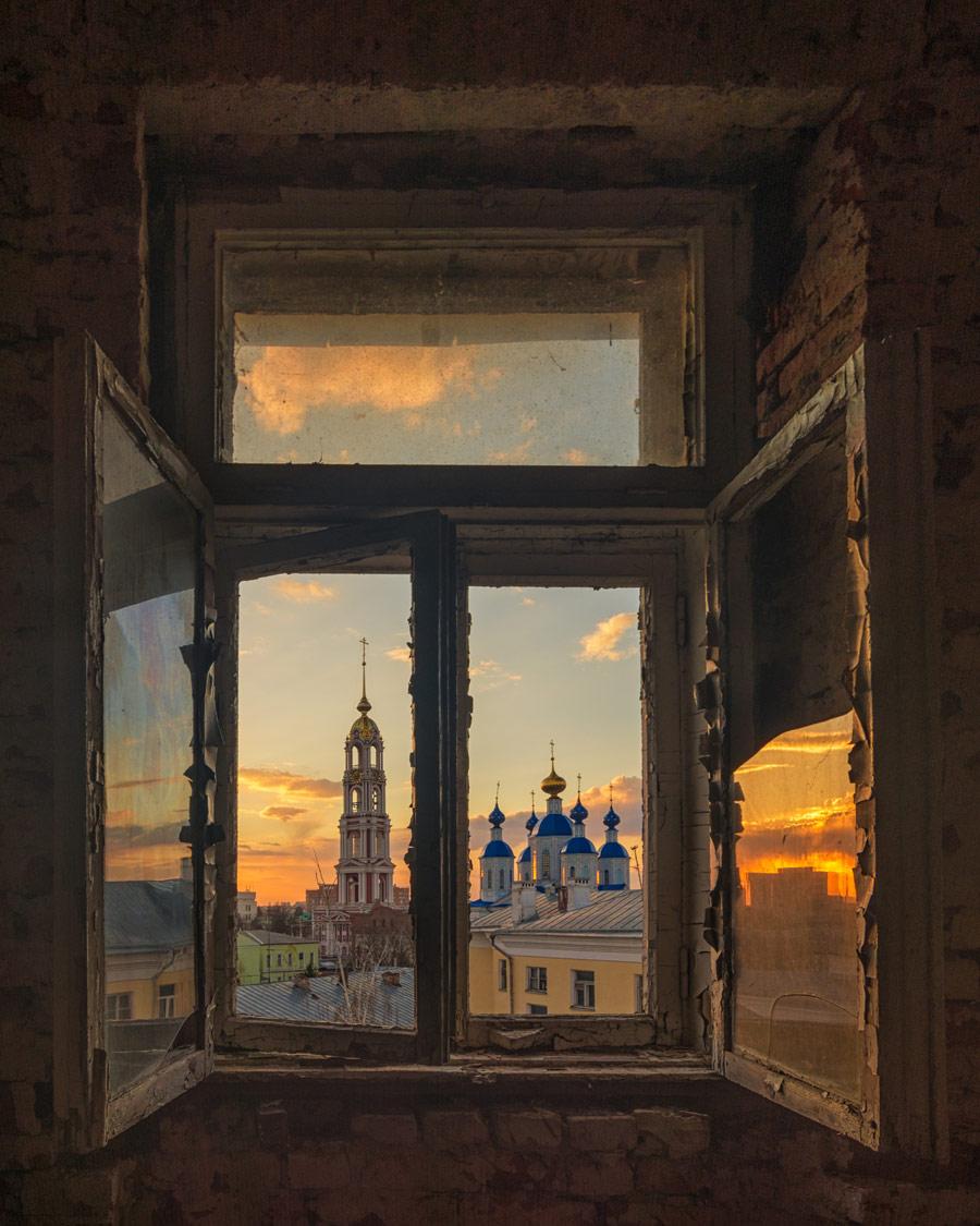 Валерий Горбунов, Взгляд сквозь старое окно, 3 место в номинации «Путешествия», любители, Фотоконкурс Nikon «Я в сердце изображения»
