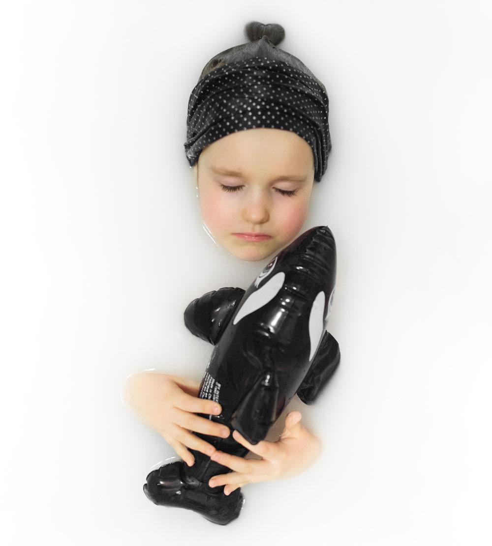 Анна Попова, Портрет в ванной, 3 место в номинации «Детская фотография», профессионалы, Фотоконкурс Nikon «Я в сердце изображения»