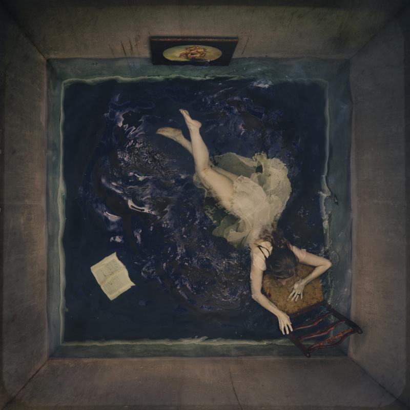 Четвёртая стена, © Брук Шаден / Brooke Shaden, 1-е место в категории «Художественная фотография» (профессионал), Фотоконкурс PX3 – Prix de la Photographie Paris