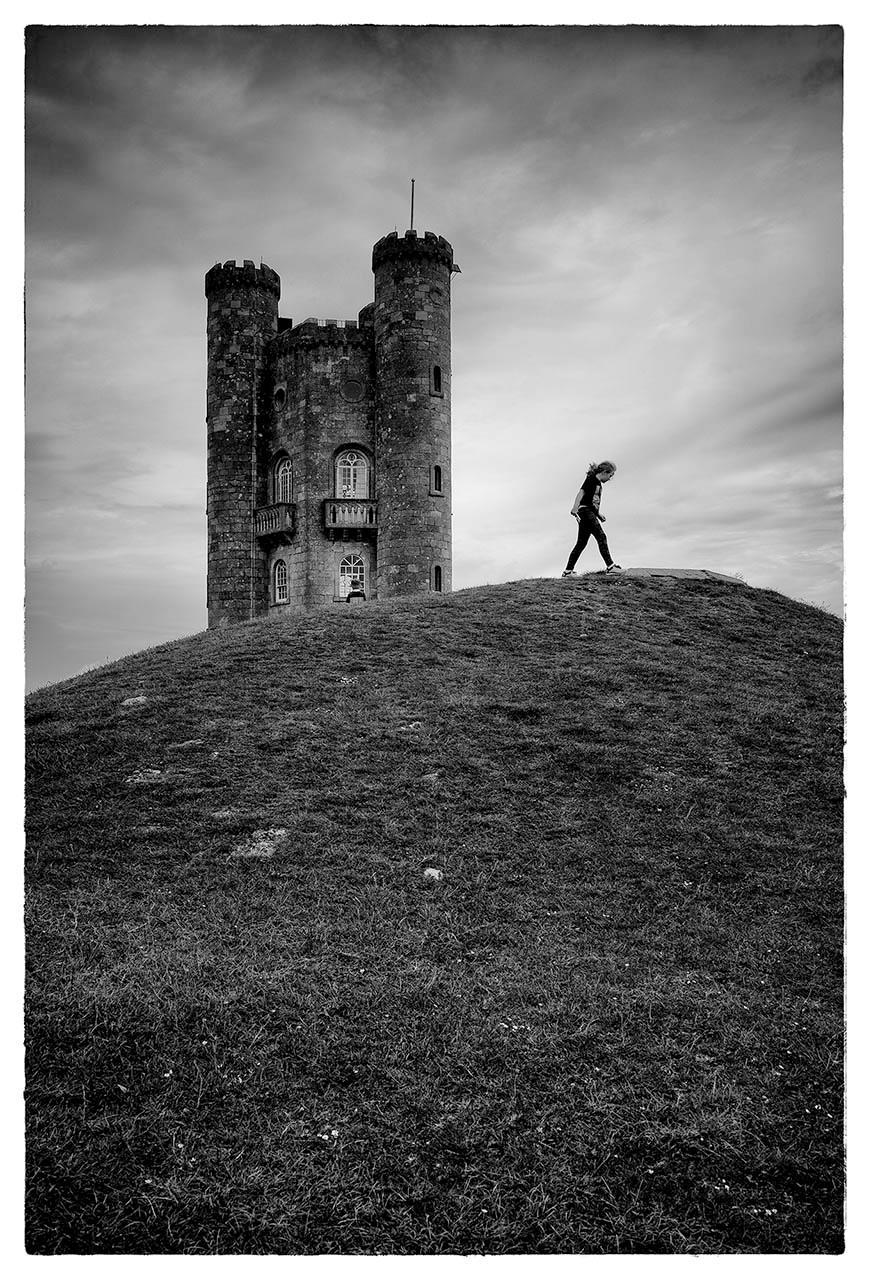 Ханна на холме с башней, Мелинда Харви / Melinda Harvey, Лаббок, Техас, Фотоконкурс Santa Fe Photographic