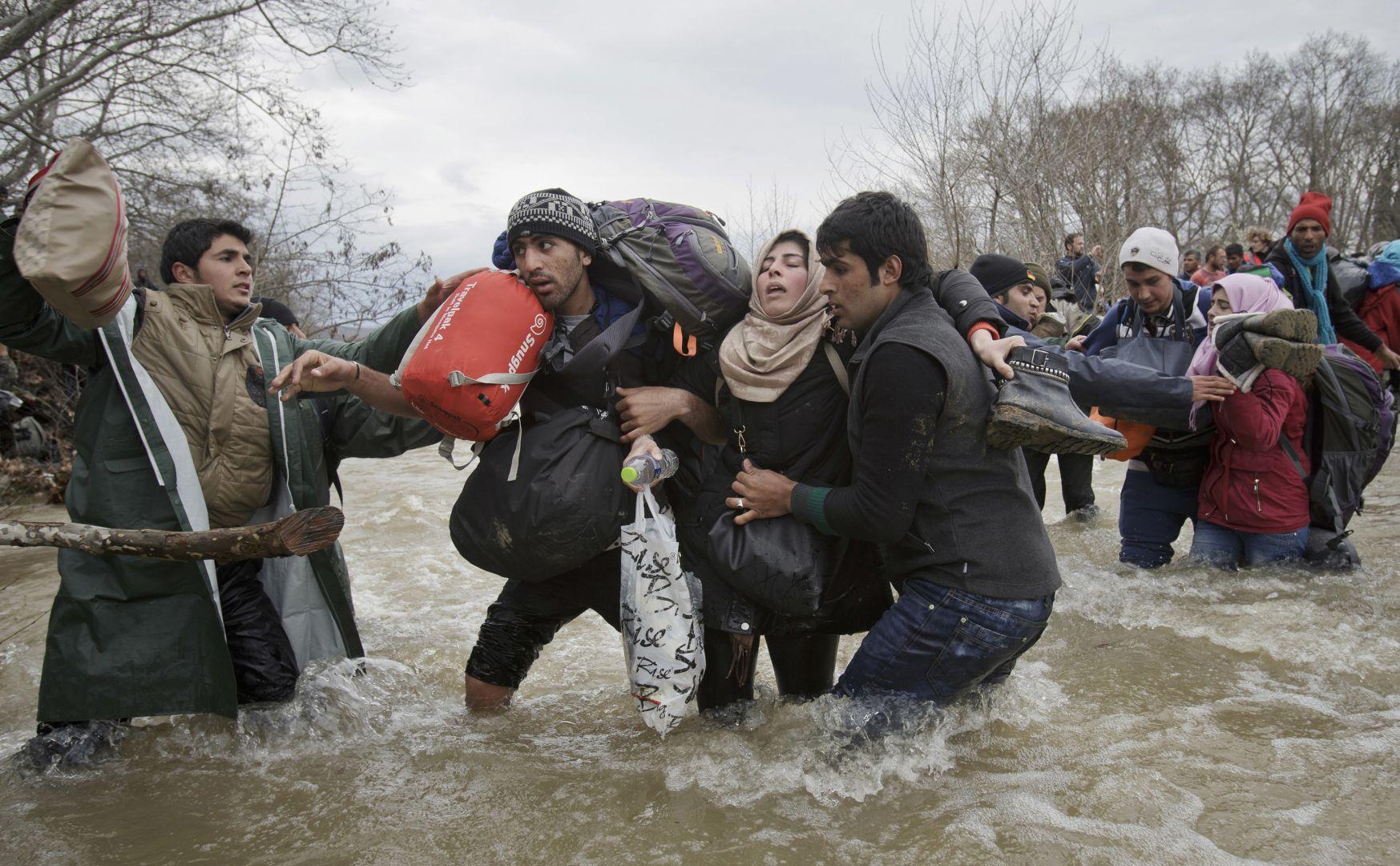 Пересечение мигрантов, © Вадим Гырда, Румыния, Фотоконкурс World Press Photo
