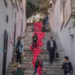 Чтение на улицах Тегерана, © Марьям Фирузи, Иран, Победитель фотоконкурса Альфреда Фрида — Alfred Fried Photography Award
