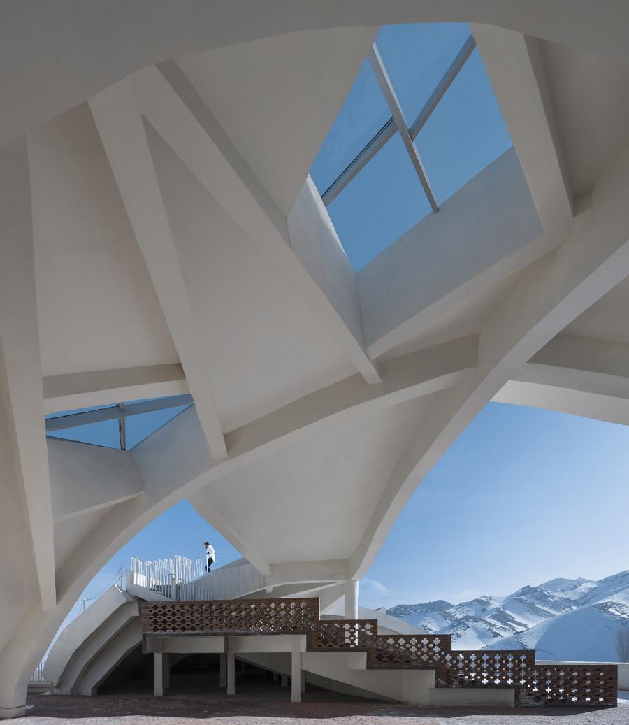 © Яо Ли (Yao Li), Здание музея западных регионов в Дунчжуане (Китай) Архитекторы: Xinjiang Wind Architectural Design & Research Institute, Конкурс «Архитектурная фотография»