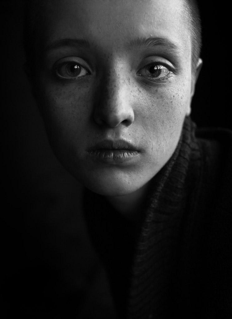 Лена, © Артем Микрюков, Россия, 2-е место, Конкурс детской фотографии в чёрно-белом