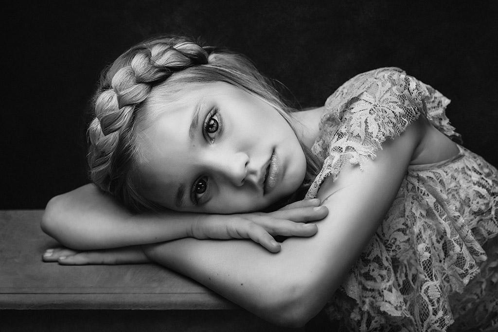 Сэди, © Полина Дучман, Великобритания, 3-е место в категории «Портрет» — 1-й тайм, Конкурс детской фотографии в чёрно-белом