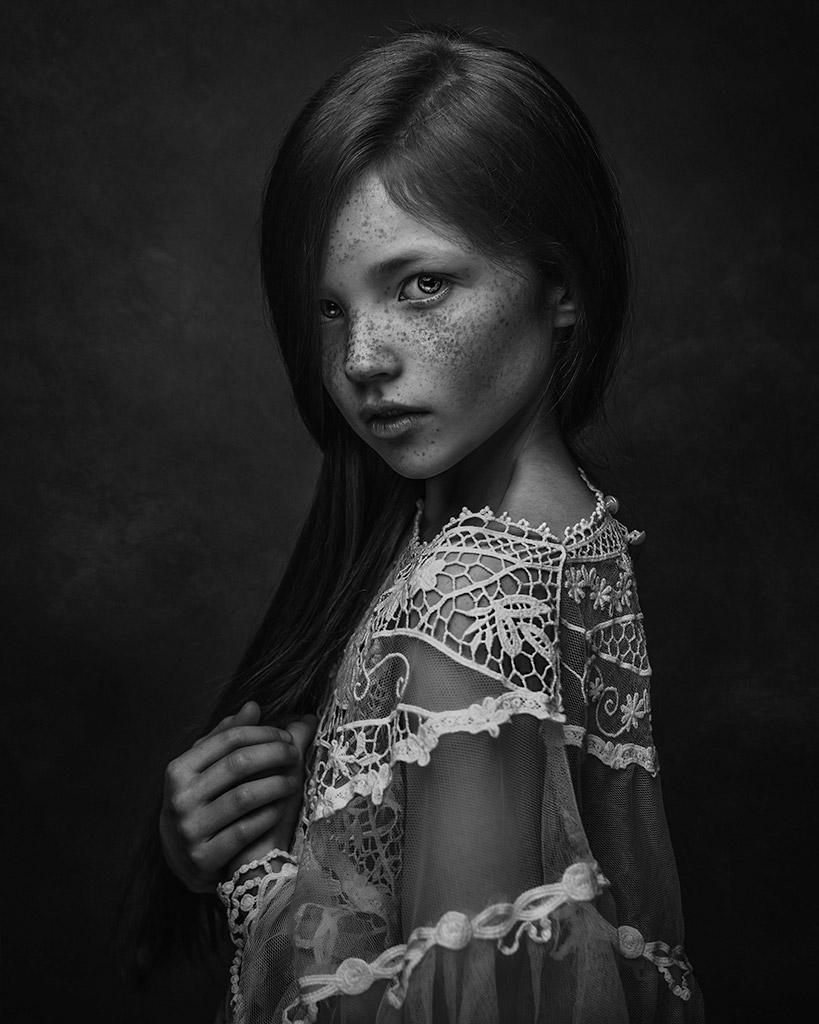 Эсме, © Полина Дучман, Великобритания, Почётное упоминание в категории «Портрет» — 1-й тайм, Конкурс детской фотографии в чёрно-белом
