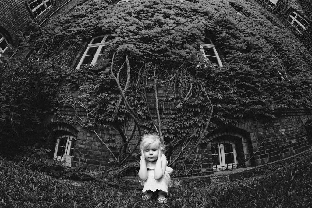 Страх, © Кинга Драмек, Польша, 1-е место, Конкурс детской фотографии в чёрно-белом