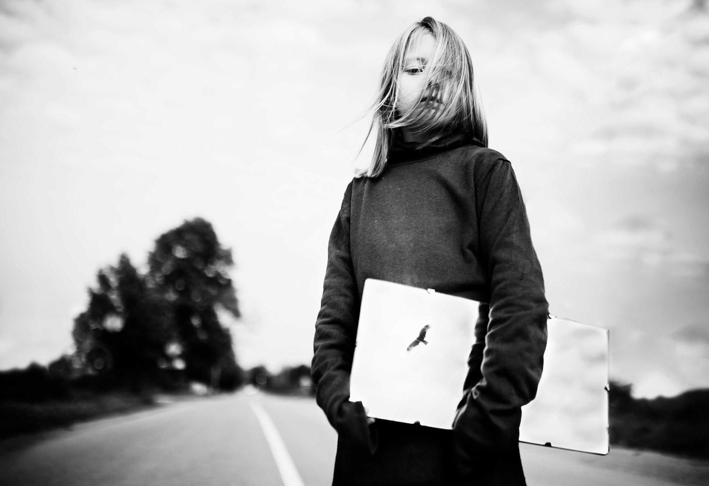 Полёт, © Ольга Федорова, Россия, 2-е место, Конкурс детской фотографии в чёрно-белом
