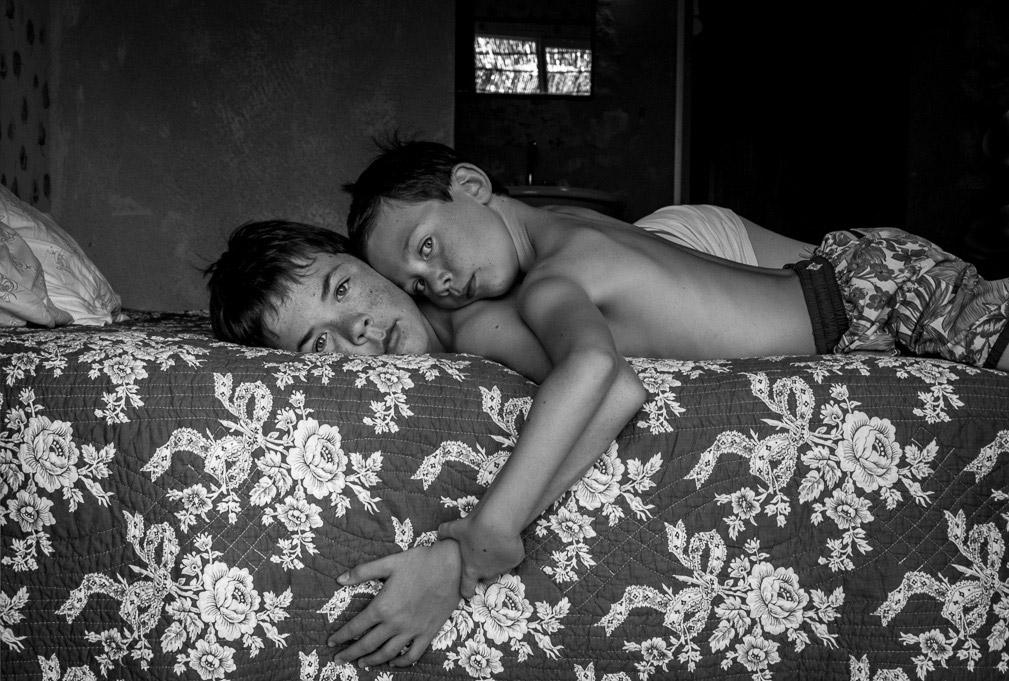 Братство, © Иса Бекаерт, Бельгия, 2-е место, Конкурс детской фотографии в чёрно-белом