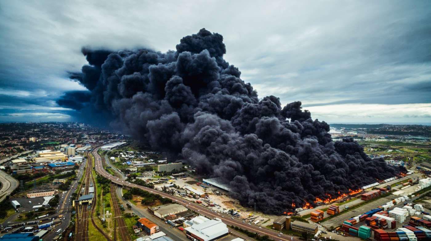 Пожар на складе, © Байрон дю Буа, Второе место, Конкурс фотографий с дрона DrAw