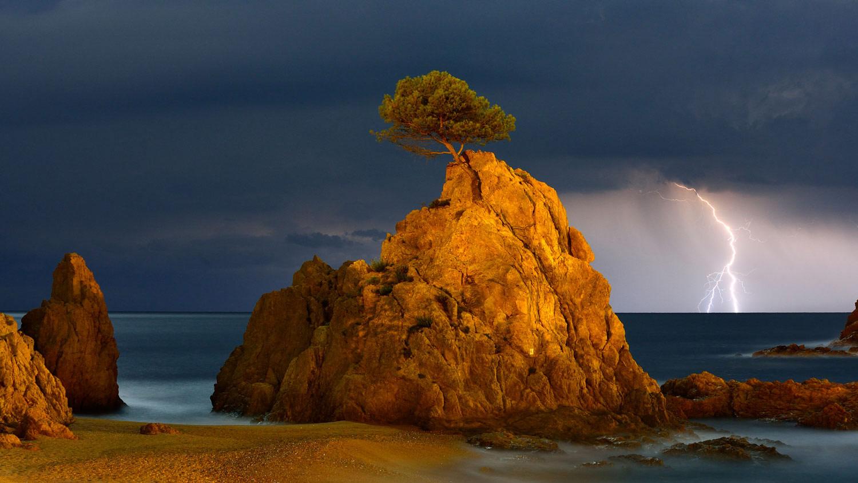 Молния на горизонте, © Мигель Анхель Артус Иллана, 11 место, Фотоконкурс «Природные сокровища Европы» — Europe's Natural Treasures
