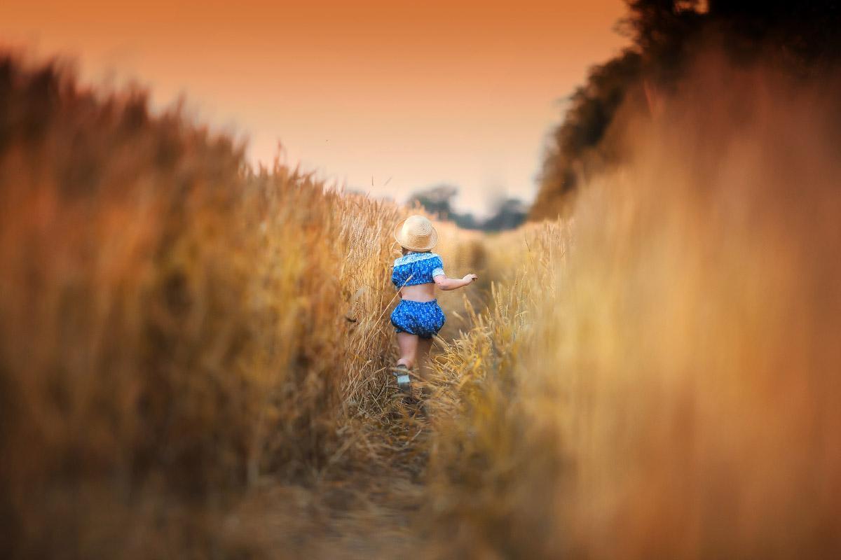 Убегающее детство, © Екатерина Савёлова , Фотоконкурс Family Russian Photo Award журнала «Российское фото»