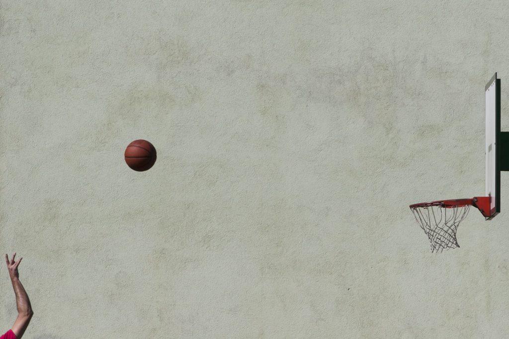 Лети, мяч, лети, © Марио Радакович, 7 место, Фотоконкурс FIBA — Международной федерации баскетбола
