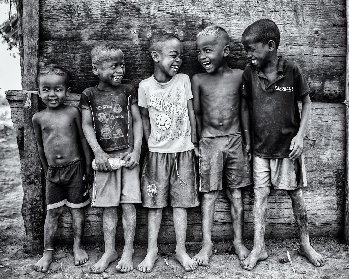 Улыбающиеся дети, © Марко Тальярино, 2 место зрительного голосования, Фотофестиваль FIX