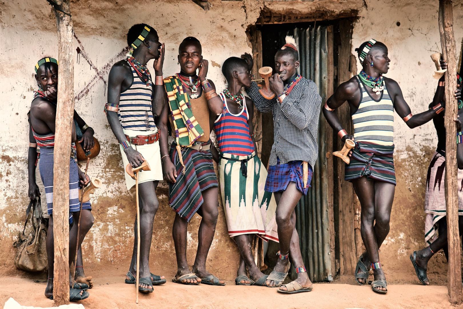Мальчики вернулись в город, © Тревор Коул, 3 место экспертного мнения, Фотофестиваль FIX