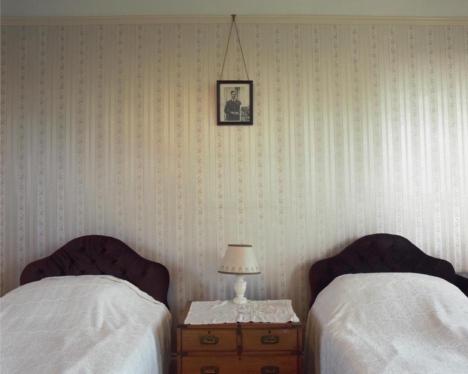 Общая спальня пожилых сестёр, © Зои Баркер, 3 место экспертного мнения, Фотофестиваль FIX