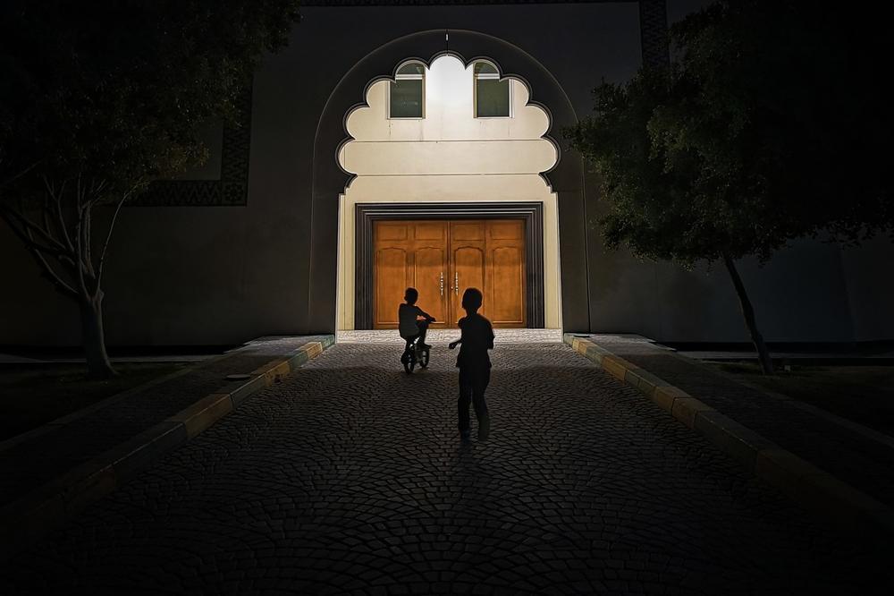 Ночная игра, © Таупее, Конкурс мобильной фотографии Huawei