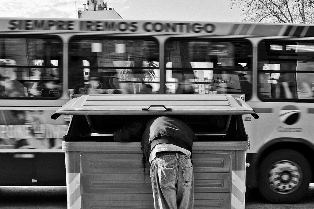 Мусорщик, © Хулио Сесар Рикко Пласидо да Силва, Первая премия, Фотоконкурс Ikei