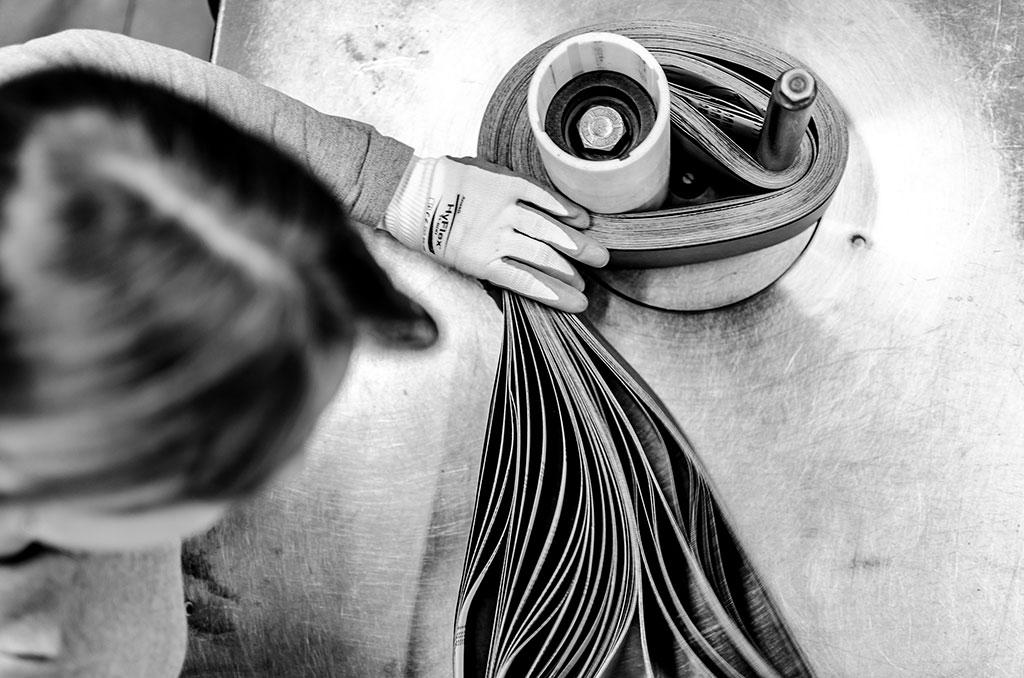 Затягивая ленту, © Джоэл Иглесиас Сантьяго, Первая премия, Фотоконкурс Ikei