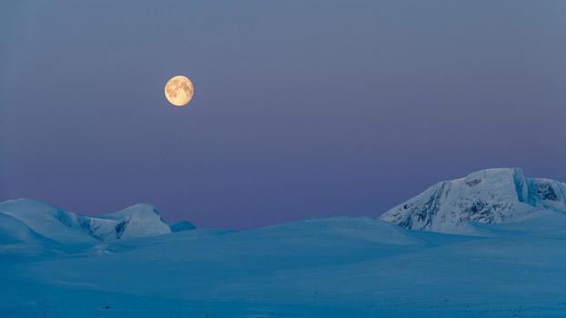 Полнолуние в горах Довре, Норвегия, © Ойштайн Хансен, Победитель категории «Цифровое искусство и фотография», Фотоконкурс «Художественные пейзажи» — Landscapes Art