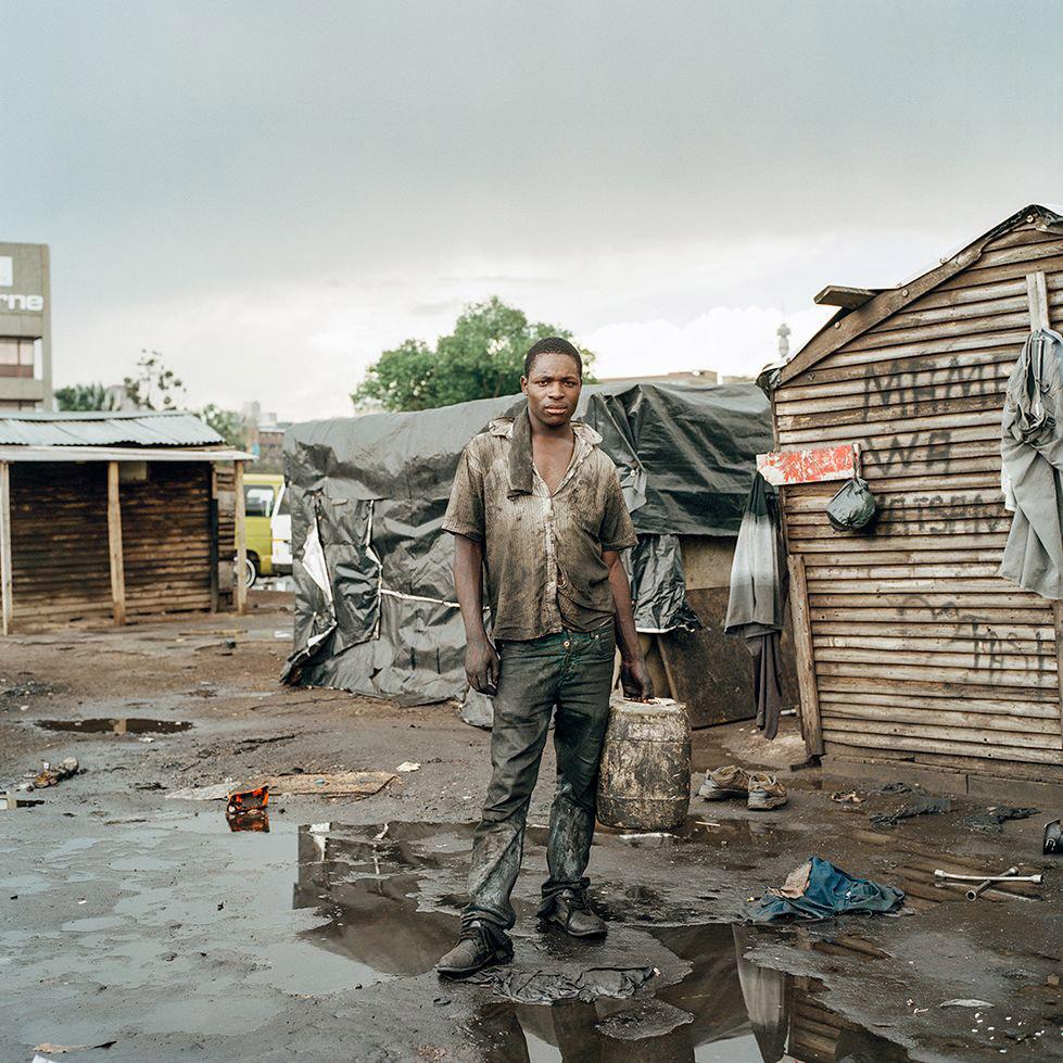 Все живут в одном месте, © Клаудио Расано / Claudio Rasano, Швейцария, Финалист конкурса, Фотоконкурс «Портрет» — LensCulture Portrait Awards