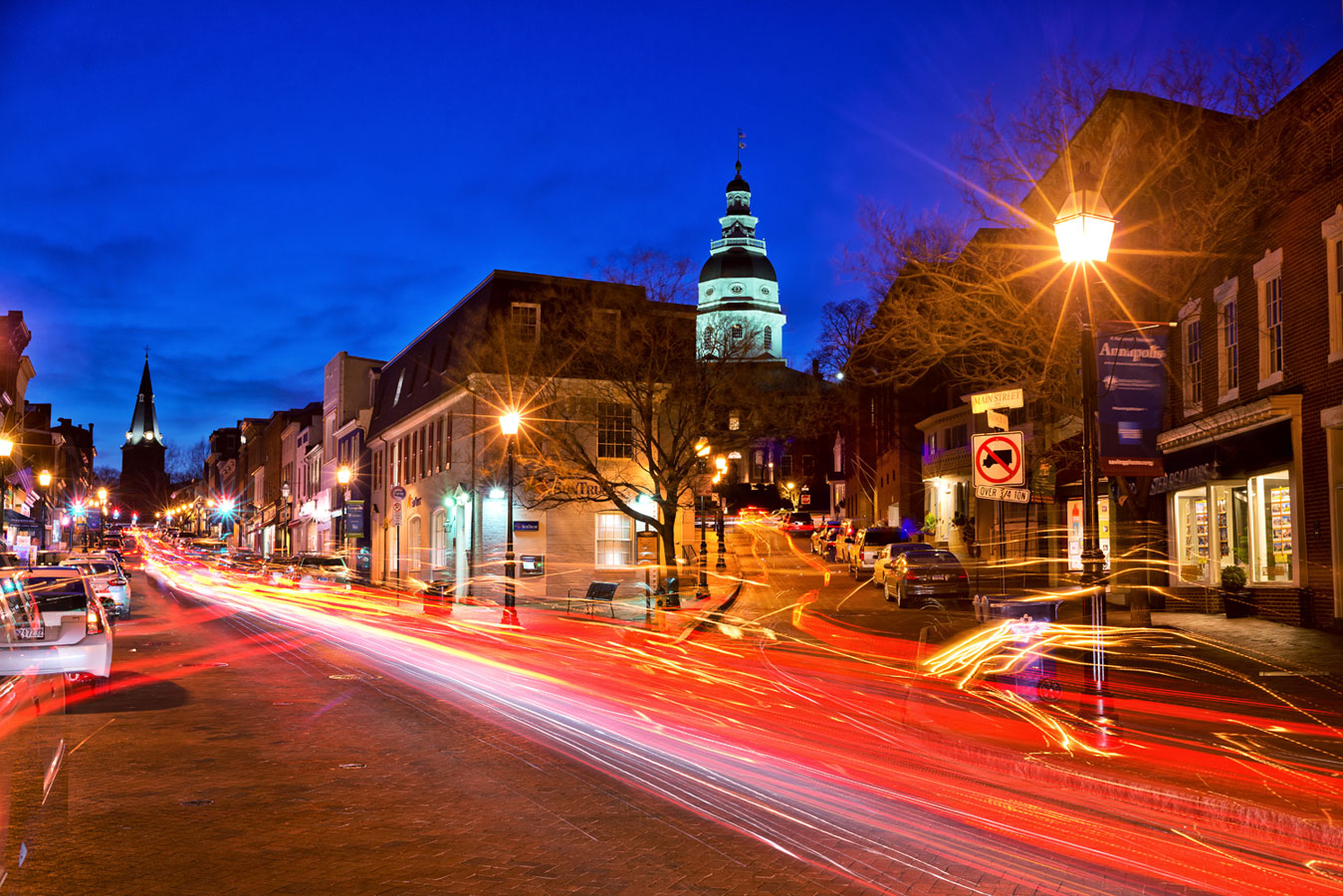 Главная улица города Аннаполис, © Эндрю Риверс, США, Фильтр: поляризационный (PL), Фотоконкурс Marumi «Городской пейзаж со светофильтром»