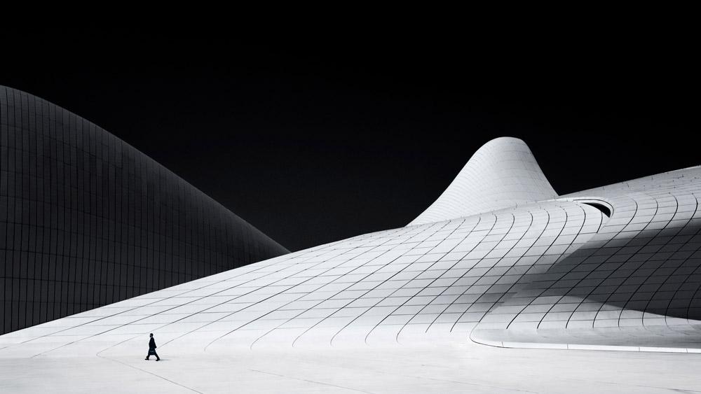 Прекрасный Баку, © Кристиан Ван Хейст (Нидерланды), Архитектурное открытие года – 2018 (любитель), Фотоконкурс Monochrome Awards