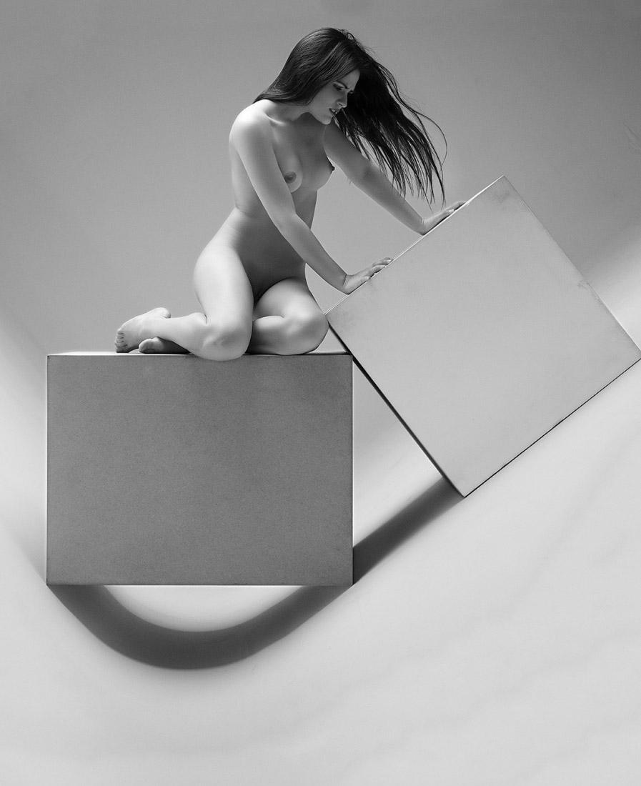 19 мечт, © Фидель Комас, 1-е место в категории «Ню», серия, Конкурс чёрно-белой фотографии MonoVisions