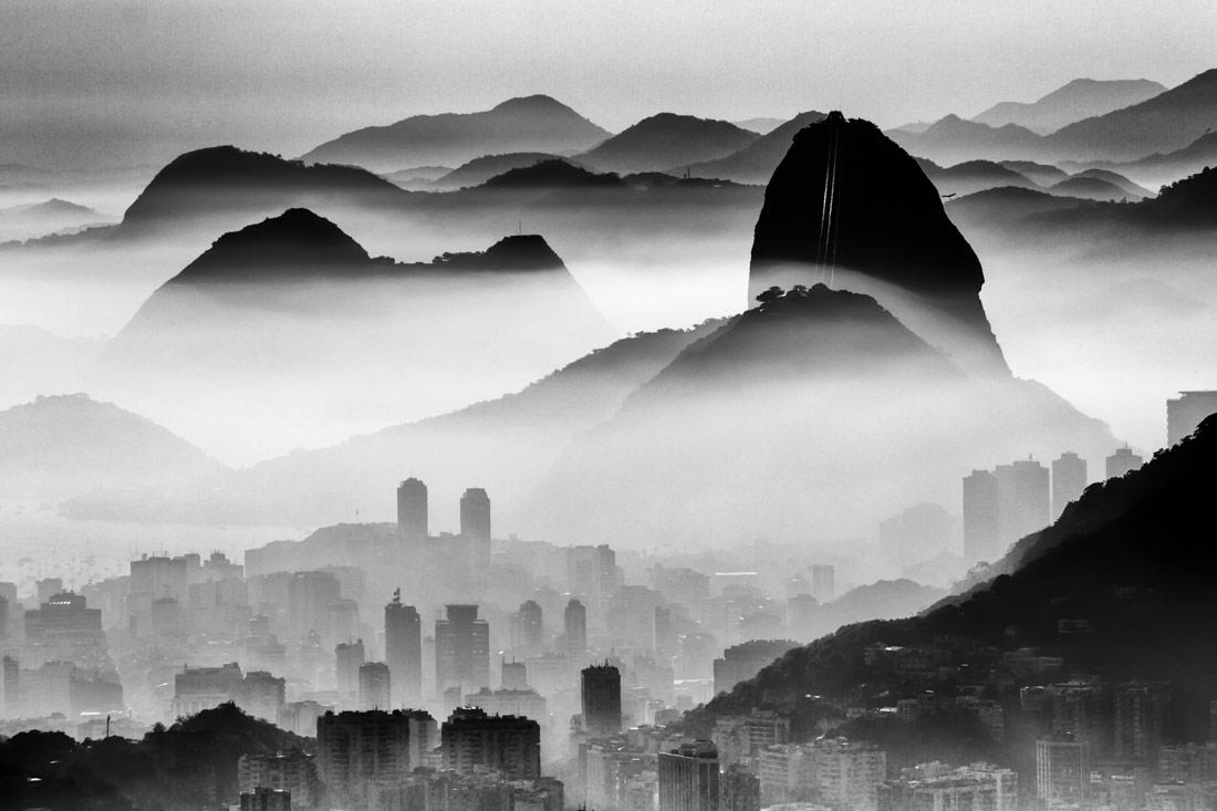 Просто мой город, © Андре Мело-Андраде, 1-е место в категории «Пейзажи», одиночное фото, Конкурс чёрно-белой фотографии MonoVisions