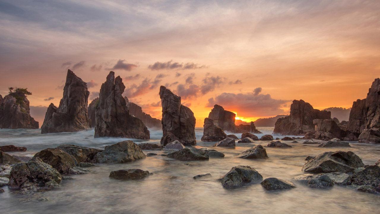Небеса скал. Пляж Пегадунган, Индонезия, © Гунарто Сонг, Джакарта, Индонезия, Победитель категории «Пейзаж», Фотоконкурс «Лучшая природная фотография Азии»