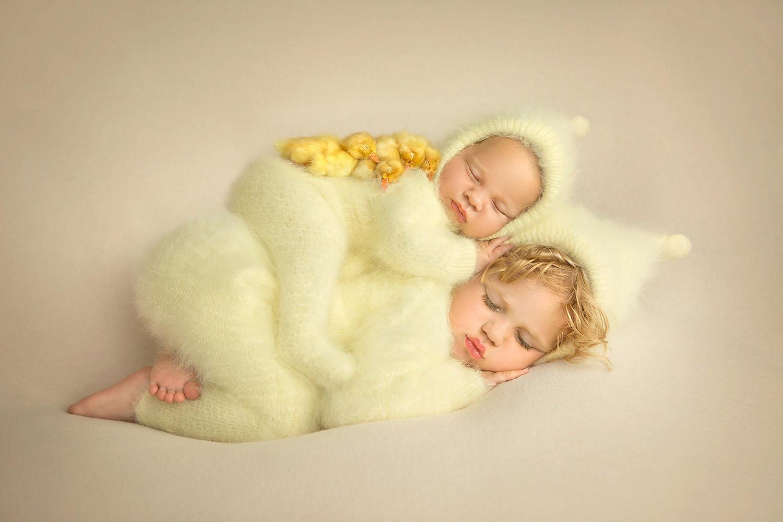 Горка пушистиков, © Кассандра Джонс, Канада, 1-е место, Фотоконкурс новорожденных