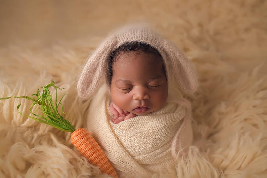 Некий кролик любит меня, © Энни Уитакер, США, Фотоконкурс новорожденных