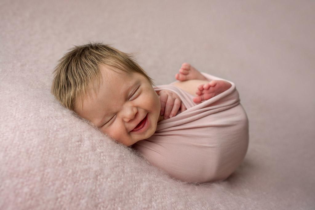 Изабелла улыбается, © Линда Аткинсон, Австралия, Фотоконкурс новорожденных