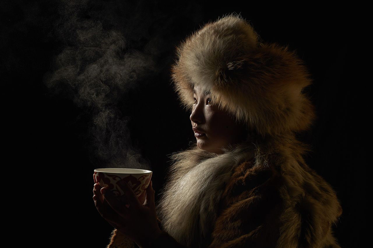 Чайная церемония, © Алессандра Мениконци, Первое место в категории «Люди», Конкурс «Тревел-фотограф года» от National Geographic